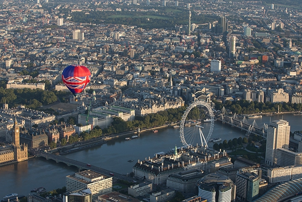 Our Union Jack Hot Air Balloon makes a London balloon flight past London Eye