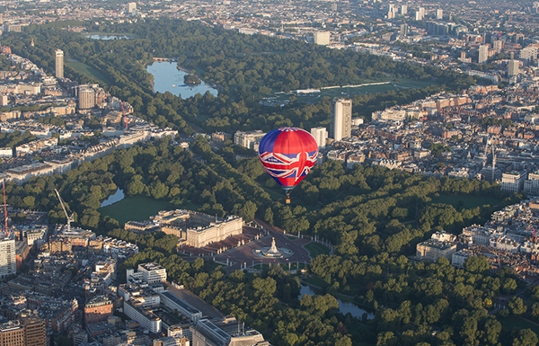 Our Union Jack Hot Air Balloon makes a London balloon flight past Buckingham Palace