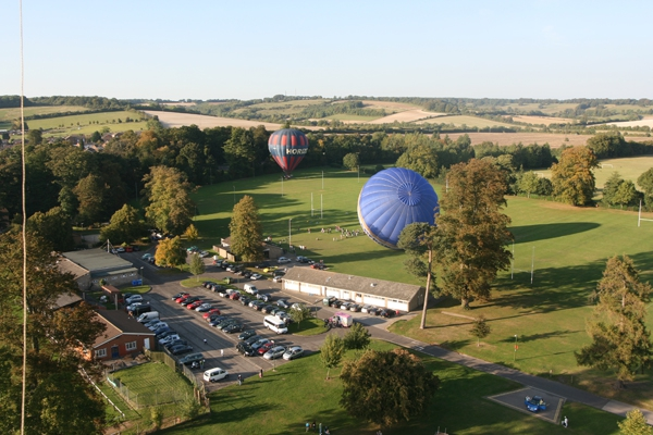 Adventure Balloons provide hot air balloon rides over Hampshire from Alton and other locations.