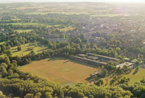 Ballooning over Oxford colleges and parks