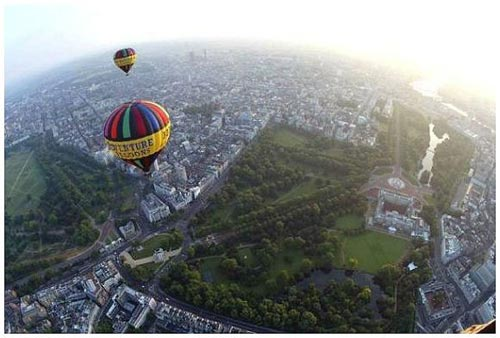 Hot Air Balloons over London City and Buckingham Palace