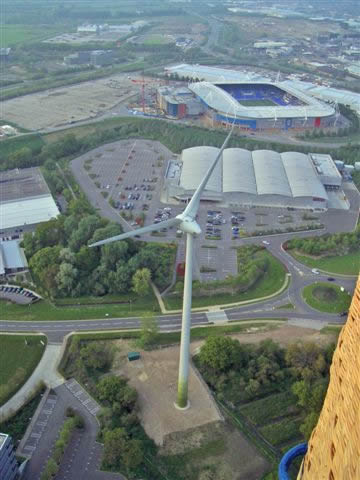 Reading wind turbine and the Madjeski Stadium from a hot air balloon basket