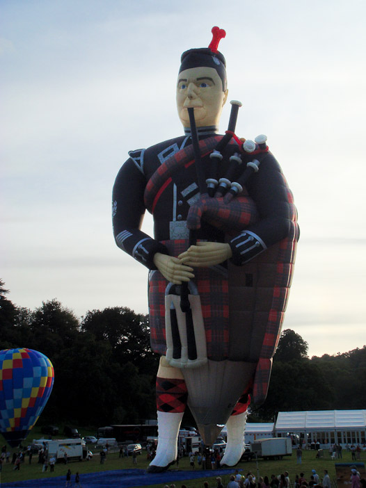 The Scottish Piper Special shape hot air balloon.