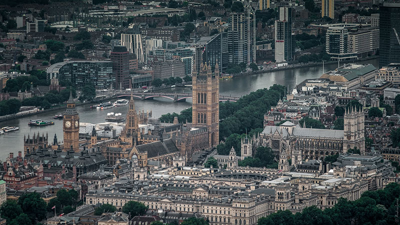 Floating by the Houses of Parliament and the Thames at 5.45 in the morning. Breathtaking aerial picture taken by Andro Loria with his cameras. See more at his blog http://androloria.com/blogandroloria/2016/7/10/london-from-airbaloon-with-fuji-x-t1