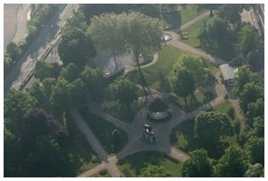 Aerial photo of Forbury gardens in Reading