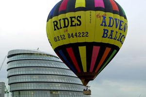 London Balloon flight take off next to City Hall office of the Mayor of London