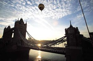 Balloon flight over Tower bridge