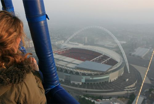London balloon flight over Wembley Stadium